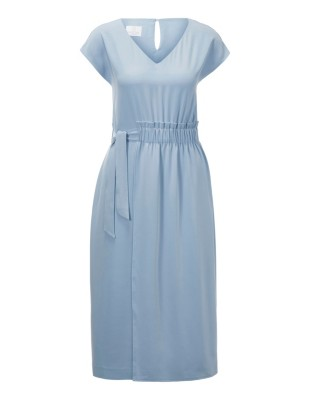Sleeveless V-neckline dress