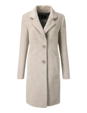 Soft, long-pile coat