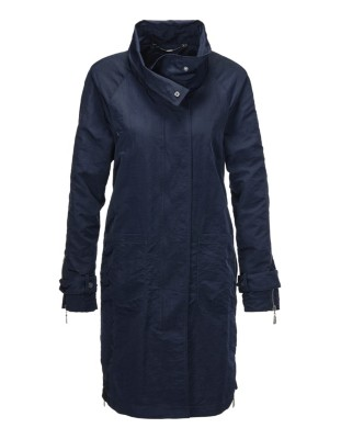 Short coat with a tall collar