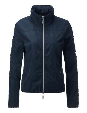 Short, shaped jacket