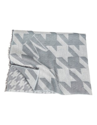 Dogtooth pattern scarf
