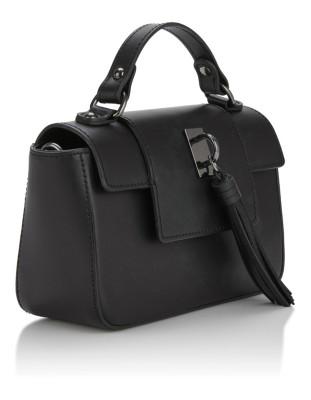 Shoulder bag with leather tassel