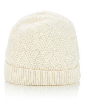 Soft and warm cable knit hat