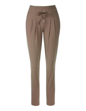Waistband pleated trousers