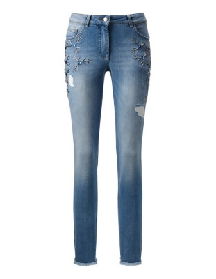 Embroidered, frayed hem jeans