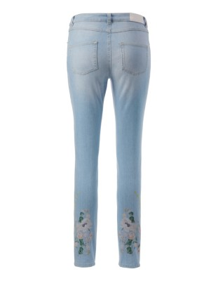 Wash effect jeans