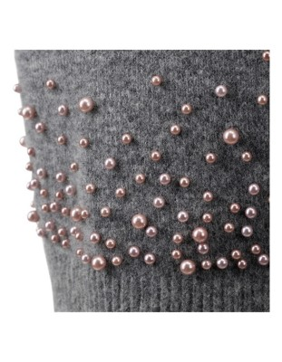 Knitted skirt decorated with faux pearls