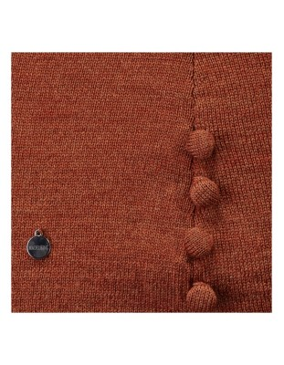 Jumper with covered button decoration