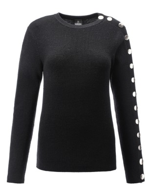 Jumper with gold-coloured press studs