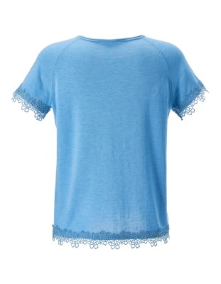 Summer top with lace detailing