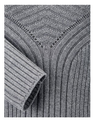 Wide ribbed jumper with loose-fitting collar