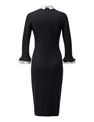 Form-fitting knitted dress