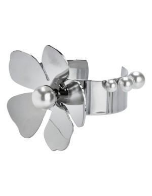 Metal flower bracelet