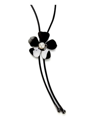 Leather necklace with metal flower