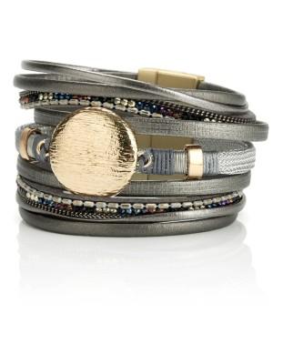 Decorated leather bracelet