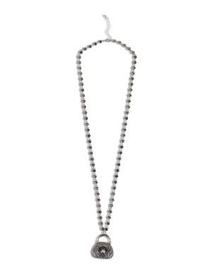 Pendant necklace with rhinestones