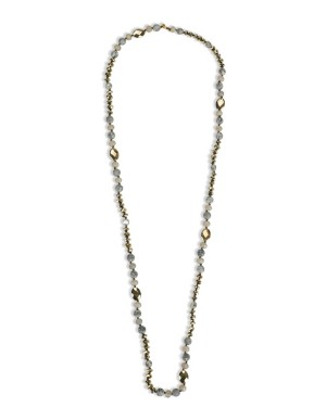 Necklace with ornamental pearls