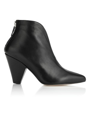 Ankle boots with heel zip