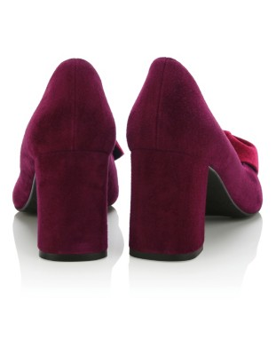 Suede heels with velvet bow