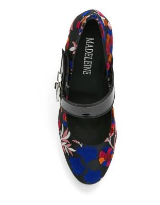 Lightweight, floral embroidered platform shoes