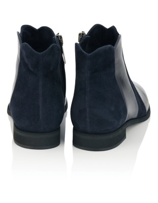Smooth leather and suede ankle boots