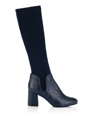 Comfortable leather boots with a stretch fabric bootleg