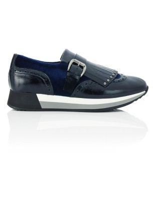 Fringe tongue loafer-type trainers