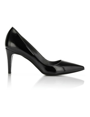 Pointed court shoes