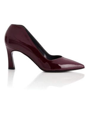 Pointed patent leather court shoes