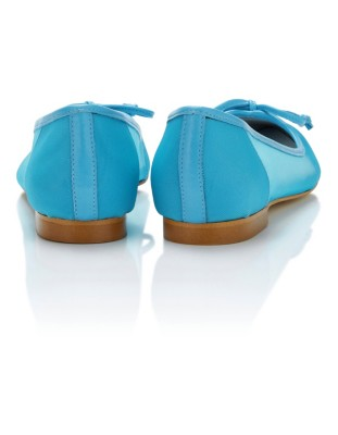 Ballet flats with cut-out sides