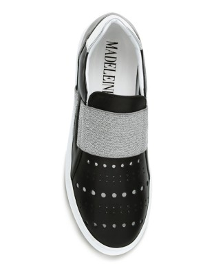 Loafers with metallic details and perforations