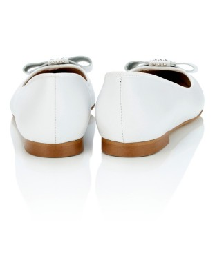 Pointed ballet flats with decorative stud-adorned bow