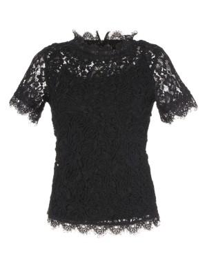 Pretty scalloped-edge lace top