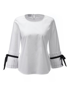 Blouse with large pleated cuffs