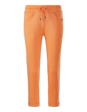 Cropped leisure trousers with turn-up hems