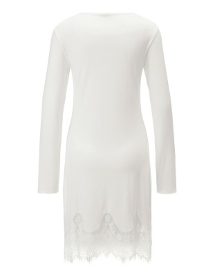 Nightshirt with filigree scalloped lace