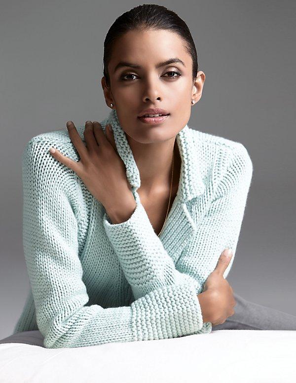 Пуловер с вырезом декольте доставка